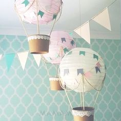 Hot Air Balloon Decoration, Up and Away Baby Shower, Hot Air Balloon Decoration kit, Hot Air Balloons Nursery Decoration DIY kit - set of 3 - Dekorieren Sie Ihre Party, Baby-Dusche oder Kindes Kindergarten mit dem skurrilen Hot Air Balloon D - Ballon Lampe, Cream Nursery, Mint Nursery, Diy Hot Air Balloons, Travel Theme Nursery, Themed Nursery, Nursery Themes, Diy Lampe, Unisex Baby Shower
