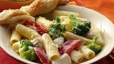 Rápido y sabroso. Una cena rápida con vegetales y restos de pollo que aporta muchas vitaminas y minerales.
