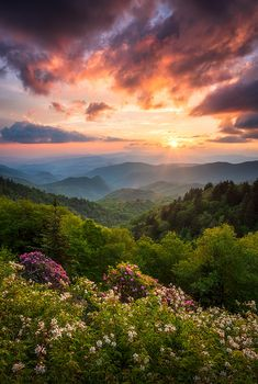 North Carolina Great Smoky Mountains Sunset Landscape Cherokee Nc by Dave Allen - S. - North Carolina Great Smoky Mountains Sunset Landscape Cherokee Nc by Dave Allen - Great Smoky Mountains, Blue Ridge Mountains, Smoky Mountains Tennessee, Sunset Landscape, Mountain Landscape, Landscape Photos, Spring Landscape, Watercolor Landscape, Abstract Landscape