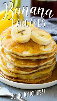 These banana pancakes are light, fluffy and loaded with plenty of banana flavor. Breakfast Meat, Best Breakfast Recipes, Quick And Easy Breakfast, Make Ahead Breakfast, Sweet Breakfast, Breakfast For Dinner, Breakfast Time, Nutritious Smoothies, Friend Recipe