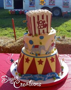 Love love love this darling cake! My son is getting ready for his first birthday and the cake shop we're using is using your cake and another as inspiration. Thanks for the fab idea! Circus Theme Cakes, Themed Cakes, Circus Party, Circus Circus, Circus Wedding, Circus Music, Carnival Cakes, Carnival Costumes, Cupcakes