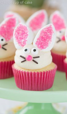 Easy Bunny Cupcakes with marshmallow ears, so cute! And way easy! from @lizzyscupofcake