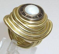 Aluminium Ring mit Kopfmuster Ring Gr 17,4 m AR110 von Atelier Regina auf DaWanda.com