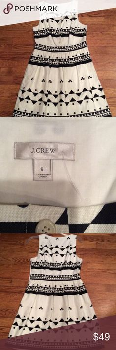 J. Crew size 6 cream/black lined dress Zip on side with but tun up front and pockets J. Crew Dresses