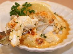 ***LW*** the best crab imperial** Maryland Jumbo Lump Crab Imperial Recipe - Key Ingredient Crab imperial is what is usually used to stuff fish or shrimp, lobster etc.with crannies.USE JUMBO LUMP OR LUMP.nothing lower grade Fish Recipes, Seafood Recipes, Cooking Recipes, Dinner Recipes, Lump Crab Meat Recipes, Crab Cakes Recipe Best, Blue Crab Recipes, Recipies, Snacks