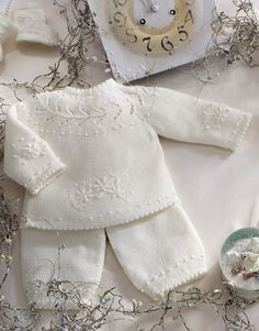 Book Special Peques 5 Autumn / Winter | 56: Baby Sweater | Off-white