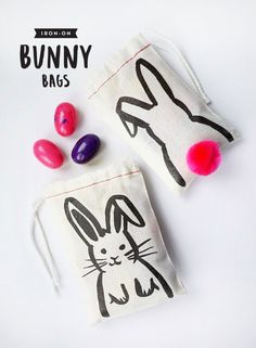 Printable Iron-on Bunny Bags DIY, these look like a super easy cute easter craft Easter Projects, Easter Crafts For Kids, Diy For Kids, Easter Ideas, Hoppy Easter, Easter Bunny, Bunny Bags, Diy Ostern, Easter Holidays