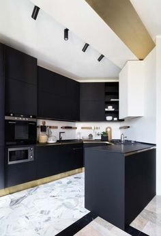 Wallpaper Black Dark Interior Design Ideas For 2019 Kitchen Cabinets Grey And White, Two Tone Kitchen Cabinets, Black Kitchens, Cool Kitchens, Modern Kitchens, Kitchen Armoire, Kitchen Centerpiece, Best Kitchen Designs, Dark Interiors