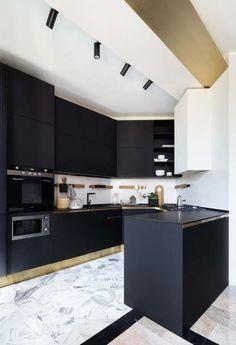 Wallpaper Black Dark Interior Design Ideas For 2019 Kitchen Cabinets Grey And White, Two Tone Kitchen Cabinets, Black Kitchens, Cool Kitchens, Modern Kitchens, Kitchen Armoire, Kitchen Centerpiece, Best Kitchen Designs, Dark Interiors