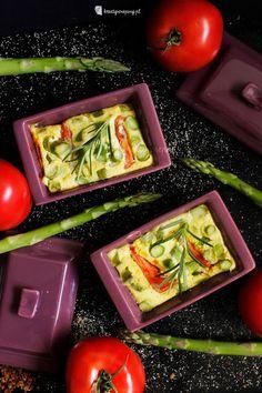 Kreatywnepiny: Pianka szparagowa z pomidorami Cast Iron Cooking, Cooking Recipes, Vegetables, Food, Chef Recipes, Essen, Vegetable Recipes, Meals, Eten