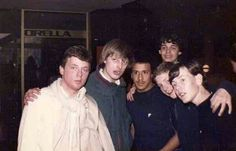 Retro Galleries – Old School Hooligan Pics Football Hooliganism, British Football, Football Casuals, School Football, Uk Culture, Look Back In Anger, Those Were The Days, Manchester United, Casual Looks