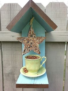 DIY bird feeder with cup and saucer. DIY bird seed shapes recipe http://www.intimateweddings.com/blog/birdseed-wedding-favor-hearts-easy-and-inexpensive-diy/