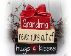 Grandma Never Runs Out Of Hugs and Kisses Itty Bitty Wood Stacker Blocks 2x4 Crafts, Wood Block Crafts, Scrap Wood Projects, Wooden Crafts, Crafts To Sell, Wood Blocks, Glass Blocks, Vinyl Projects, Brick Crafts