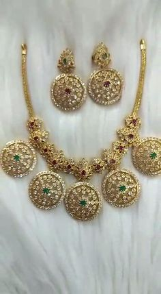 Antique Jewellery Designs, Gold Earrings Designs, Gold Jewellery Design, Necklace Designs, Gold Temple Jewellery, Silver Wedding Jewelry, Gold Jewelry Simple, Indian Bridal Jewelry Sets, Bridal Bangles