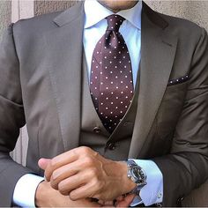 Danielre wearing The OTAA Brown Polka Dot Necktie & Pocket Square @danielre #lookingsharpmate #otaa #menofotaa  OTAA.COM