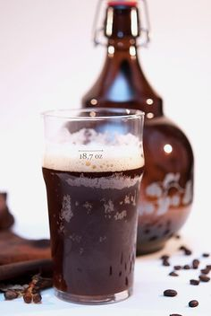 Java Vanilla Porter is a one of many craft beers that you can make in the comfort of your own home. A few simple tools can get you started. #Beer #CraftBeer #VanillaFlavour
