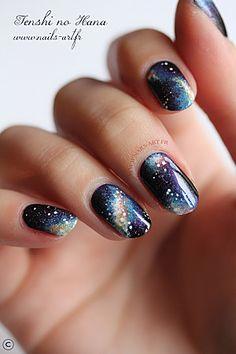 Galaxy nails avril 2013