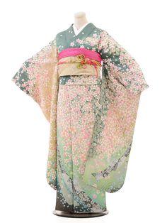 Kimono Japan, Japanese Kimono, Japanese Geisha, Traditional Gowns, Traditional Kimono, Japanese Outfits, Japanese Fashion, Japanese Quilt Patterns, Japanese Costume