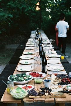 table + benches // dinner table