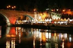 Happening hosted every year between June and July along the Tevere river banks. The TevereExpo is an italian artisanal market where roman and regional gastronomic specialities can be bought at convenient prices. Arts and crafts, food and wine, music and fireworks.