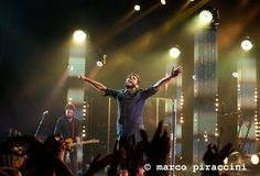 Verona celebra Marco Mengoni. Sorrisi ed emozioni indelebili salutano il tour estivo