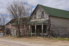 Mansions Homes, Abandoned Mansions, Abandoned Buildings, Abandoned Places, Spooky Places, Haunted Places, Haunted Castles, Ontario Travel, Old Country Stores