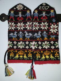New crochet mittens pattern men fingerless mitts Ideas Crochet Mittens Pattern, Knit Mittens, Knit Crochet, Crochet Hats, Knitting Charts, Knitting Patterns, Crochet Braids Marley Hair, Wooly Hats, Fingerless Mitts