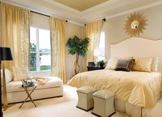 Gentle yellow hues blend in the lavishness of gold with softness of cream!