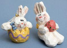 Eddie Walker EASTER Bunny Ornaments Lot of 2 Egg EW Sitter Vtg Resin Rabbit Hang