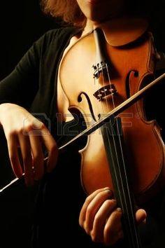 Viool muziekinstrumenten violist handen Klassieke musicus orkest muziek Stockfoto