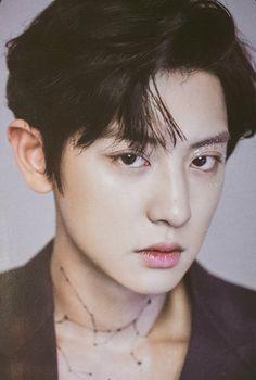 He is both poison and the cure, but she drink it anyway. Park Chanyeol Exo, Baekhyun Chanyeol, Kpop Exo, Kokobop Exo, Exo Chanbaek, Exo Official, Kim Minseok, Fandom, Exo Members