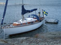 Buy a Classic Boat - Classic Boat Magazine Classic Boat, Classic Yachts, Wooden Boat Building, Yacht Boat, Motor Boats, Wooden Boats, Sailing, Eagle, Kitchen Extensions