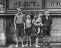 Get premium, high resolution news photos at Getty Images Old Pictures, Old Photos, Ireland Pictures, Irish Famine, Irish Eyes Are Smiling, Kids Laughing, Irish Girls, Dublin City, Dublin Ireland