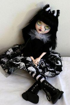 OOAK-Custom-Ever-After-High-Monster-High-doll-Apple-White-repaint-Aureus
