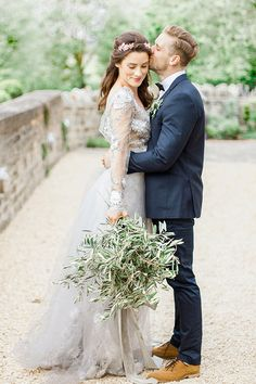 If you're looking to inject a little luxury and elegance into your wedding day styling then look no further. IRENA KABELIS recently took part in A BEAUTIFUL WAY – a fine art style workshop in the UK – at ALMONRY BARN WEDDING VENUE in … Continue read