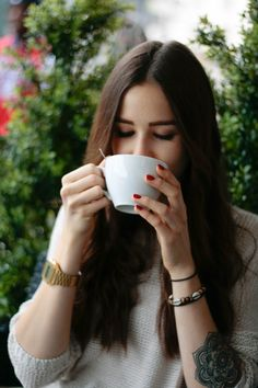 _MG_5886 Coffee Shop, Ootd, Watches, Drinks, Accessories, Fashion, Coffee Shops, Drinking, Moda