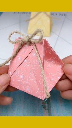 Homemade Gift Boxes, Diy Gift Box, Origami Gift Box, Paper Crafts Origami, Origami Boxes, Oragami, Paper Gifts, Diy Paper Bag Gift, Diy Paper Box