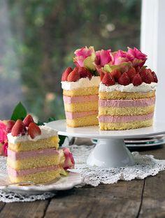 Strawberry Cheesecake Sponge Cake   www.bellyrumbles.com