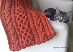 La bufanda de Irene (lana, dos agujas)🍁🍃🌰🐿🍄🌿🍂 #cuello #bufanda #cat #cuellocalentito #cuellobufanda #cuellotejido #cowl #scarf #warmcowl #cowlscarf #knitcowl #cablescarf #punto #dosagujas #knit #knitting #tricot #striken #lana #yarn #wool #otoño #autumn #fall #hechoamano #feitoamao #faitmain #handarbeit #handmade #lanalaneracascabelera