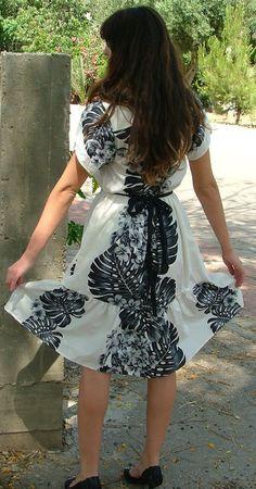 White Flowery Dress.Vintage Dress.Dress.Vintage by shpirulina