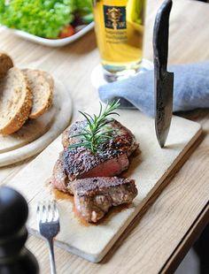 Sie wollen wissen woher wir unser Fleisch beziehen? Schauen Sie sich auf  unserer Homepage unter Partner unsere Lieferanten an.    Goerreshof - Dein bayerisches Restaurant in Muenchen   www.goerreshof.de #Goerreshof #bayerisches #Wirtshaus #Restaurant #Biergarten #Muenchen #Maxvorstadt #Schwabing #Augustiner #bayrisch #guad #Traditionshaus #bavarian #placetobe