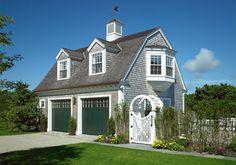 Garage/Guest House home-sweet-home Garage Guest House, Carriage House Garage, Garage Design, Exterior Design, House Design, Exterior Homes, Garage Plans, Garage Ideas, Garage Doors