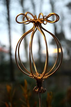 - Best ideas for decoration and makeup - Wire Crafts, Metal Crafts, Diy And Crafts, Diy Garden Projects, Garden Crafts, Metal Garden Art, Metal Art, Chicken Wire Art, Wire Art Sculpture
