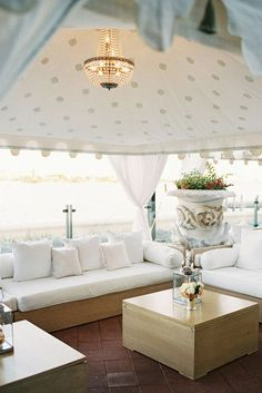 Beautiful by the beach wedding lounge. Photography by Jemma Keech via Style M. Pretty #weddinglounge #beachwedding