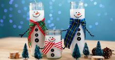 How to turn dollar store candles into adorable snowmen - holiday diy gifts Dollar Store Christmas, Dollar Store Crafts, Dollar Stores, Homemade Christmas, Christmas Crafts, Christmas Decorations, Christmas Ornaments, Christmas Ideas, Christmas Candles