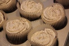 Oreo Cupcake http://vannimunn.blogspot.no/2012/02/oreo-cupcake.html