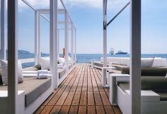 The Essence Of Luxury: The Monaco Life Club Floating Beach Bar