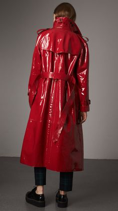 Raglan-sleeve Patent Lambskin Trench Coat in Parade Red - Women | Burberry