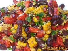 sweet and simple.and a dash of crazy: Black Bean Salsa Black Bean Salsa, Black Beans, Finger Food Appetizers, Finger Foods, Avocado, Food And Drink, Cooking Recipes, Yummy Food, Favorite Recipes