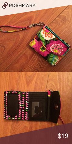 Vera Bradley Super Smart Wristlet in Va Va Bloom Vera Bradley Super Smart Wristlet in Va Va Bloom. Brand new without tags, never used!! Gorgeous and vibrant print, with an ID window and a few card slots, and a spot to hold your smartphone (fits up to a iPhone 5s). Awesome little wristlet that holds all the essentials! Vera Bradley Bags Clutches & Wristlets